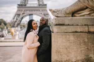 couples photoshoot eiffel tower paris photographer