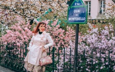 Visiting Paris by yourself? Solo travellers, this one's for you