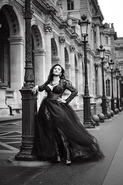 Laura's dream photo shoot at the Louvre in Paris